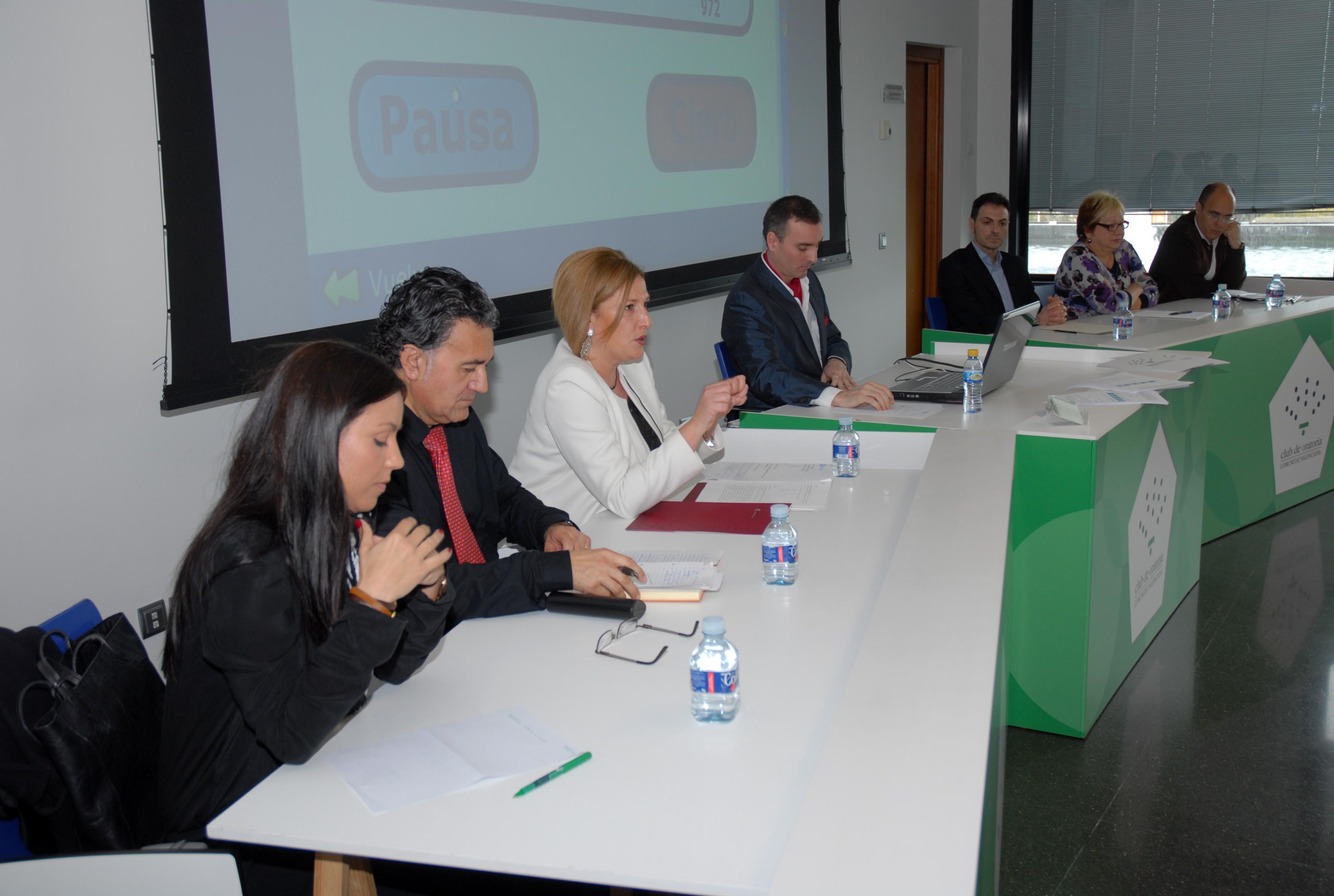 El TGT debate sobre los frenos a hablar en público en Forinvest
