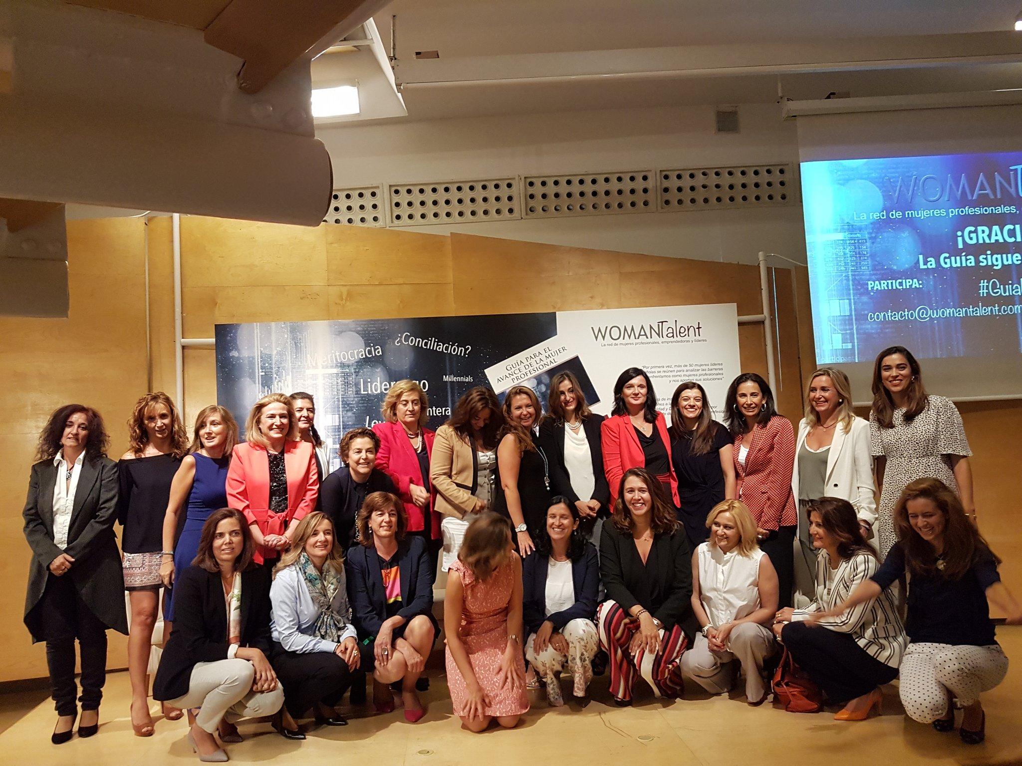 Presentación de la guía WomanTalent para el avance de la mujer profesional