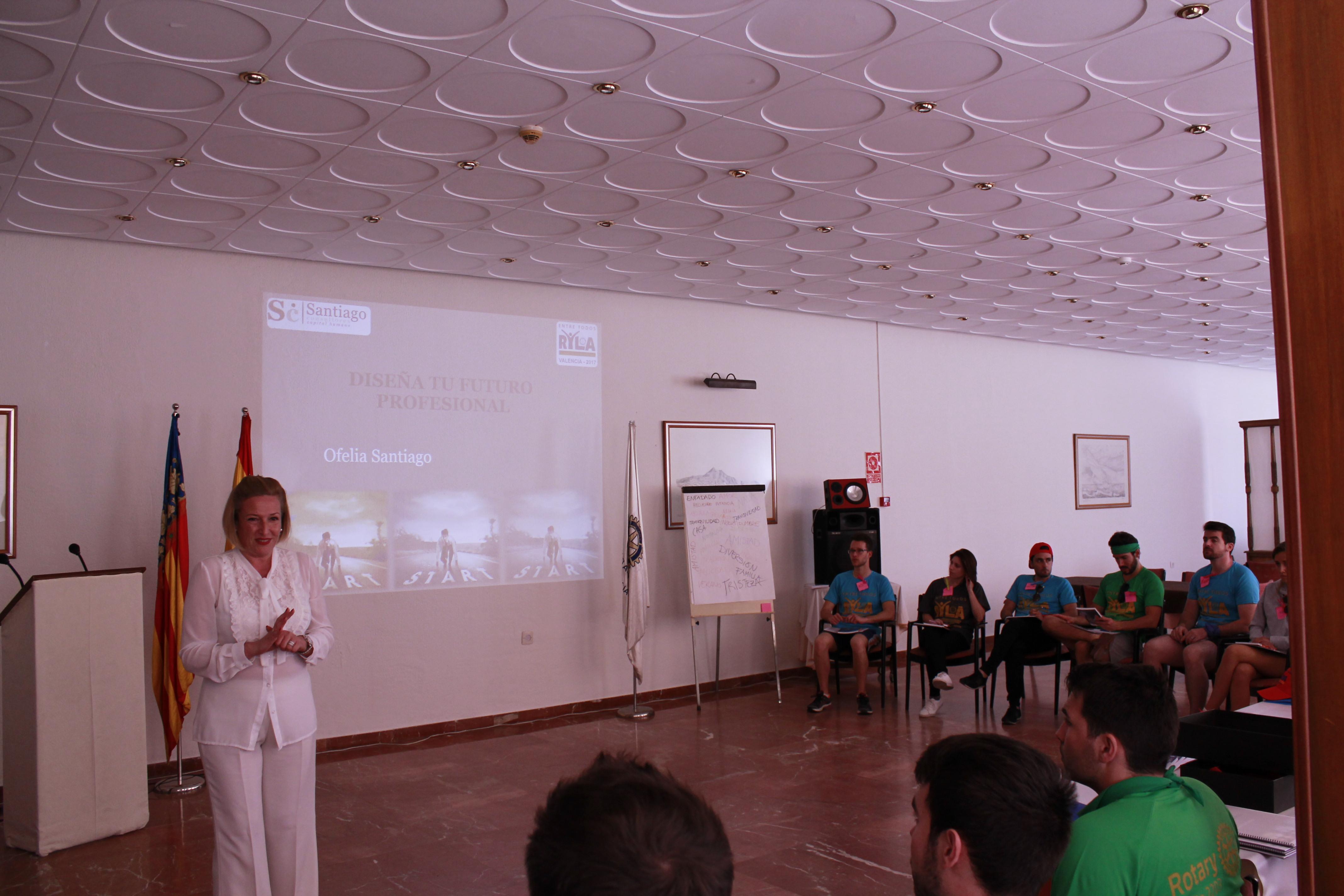 Santiago Consultores imparte dos seminarios en el encuentro anual de jóvenes del Rotary Club