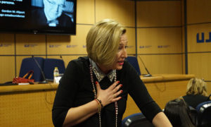 Ofelia Santiago en Jornada ADLs de la UJI