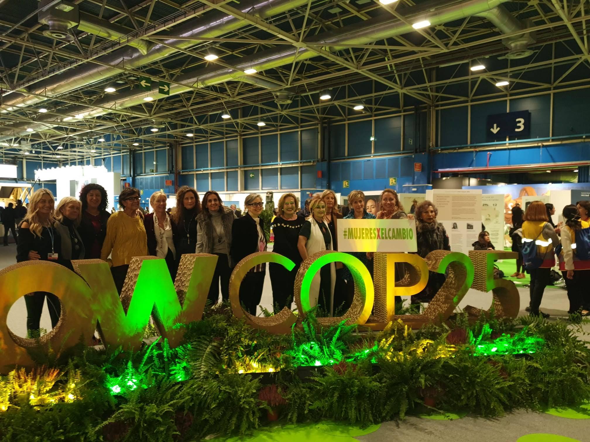 Mujeres comprometidas con el cambio climático en la Cumbre del Clima